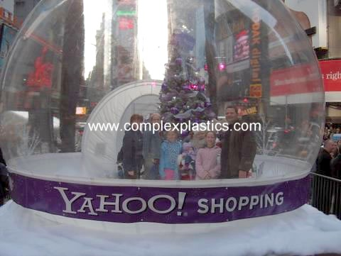 img - Large Christmas Snow Globes
